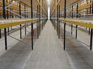 Superflat Very Narrow Aisle Floor
